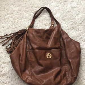 Adorable Tory Burch hobo bag brand new AUTHENTIC